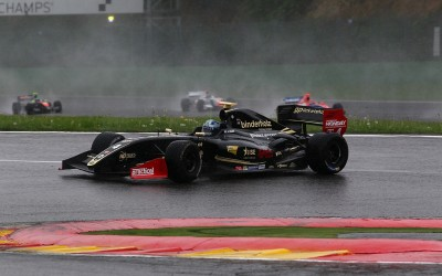 Spa-Francorchamps: Roy Nissany with great qualifications achieved the 2nd place and crashed by Cecotto in the safety car zone.