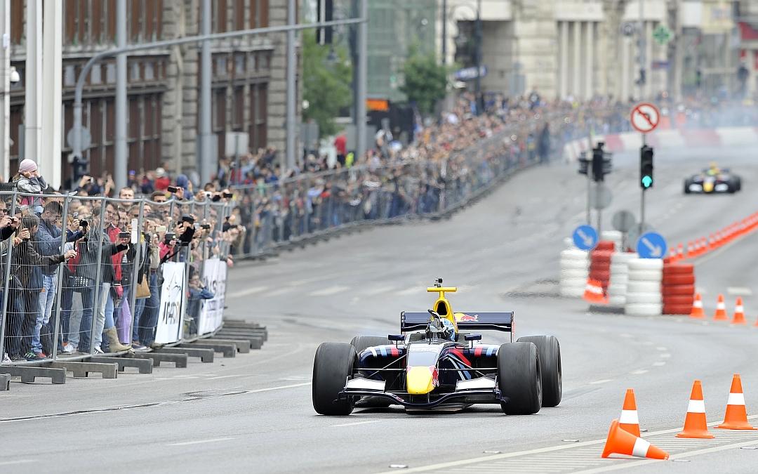Roy Nissany Race Driver - Roadshow